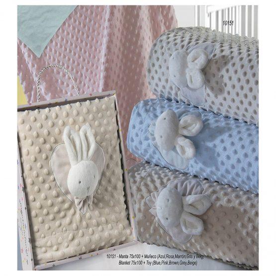 Couverture tête de lapin.